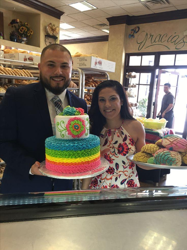 Piñata Cake from EL BOLILLO BAKERY in HOUSTON, TX #piñata #piñatacake #cake #bakery #panaderia #pasteleria #elbolillobakery #elbolillo #bolillo #uniconcha #houstonbakery #houston #pasteles #fiesta #birthdaycake #fiestacake #mexicancake #mexicanbakery #mexicandessert #dessert #tresleches