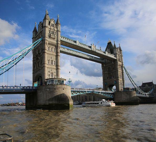 """""""【ロンドン】イギリスの歴史を目撃した観光スポット4選 「ビッグ・ベン」の本当の名前は?「タワー・ブリッジ」にはガラス張りの歩行者専用通路がある!他にも観光に役立つ情報満載。"""""""