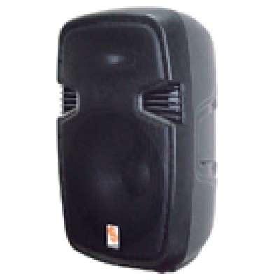 """Deze 15"""" actieve 2-weg full range speaker levert 300 W RMS vermogen. Het transparante geluid, de hoge kwaliteit geïntegreerde versterker, USB-/SD-poort en het compacte moderne design, maakt deze speaker ideaal voor zowel binnen als buiten."""