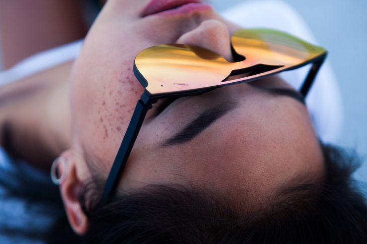 Saraghina EyewearSARAGHINA è un nuovo marchio di occhiali da vista e da sole che trasforma questo accessorio-non-accessorio in un prodotto di design, in un must-have, in uno stile di vita. Il nome del brand ricorda il pesce azzurro della Riviera Adriatica, terra d'origine del marchio, ricco di sapori e al giusto prezzo: e gli occhiali SARAGHINA sono proprio così, prodotti di prima qualità, alla moda e originali venduti al giusto prezzo, rapportato al loro essere rigorosamente Made in Italy.