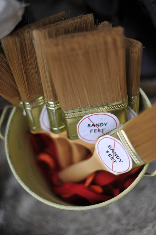 Cheap Paintbrushes For Sandy Feet