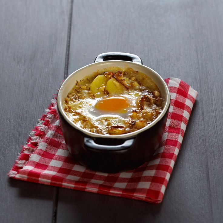 Découvrez la recette de l'oeuf cocotte façon tartiflette