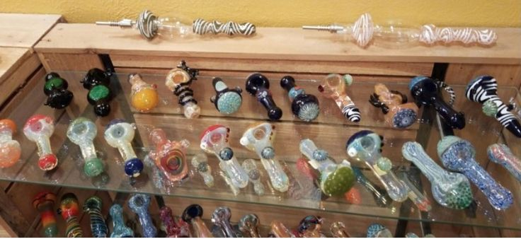 One thing that's always super consistent with our wholesale pipes, we have an awesome selection of wholesale glass pipes and our high quality collection is constantly growing to adapt to all of our customers varying needs, is that they all have an amazing atmosphere.