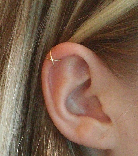 Silver ear cuff Clip on earrings Ear Cuff No Piercing Fake Helix Piercing Ear Wrap Ear Cuffs Conch hoop Fake piercing Leaf ear cuff