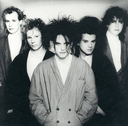 The Cure - Porl Thompson, Boris Williams, Robert Smith, Simon Gallup and Lol Tolhurst - 1986 <3