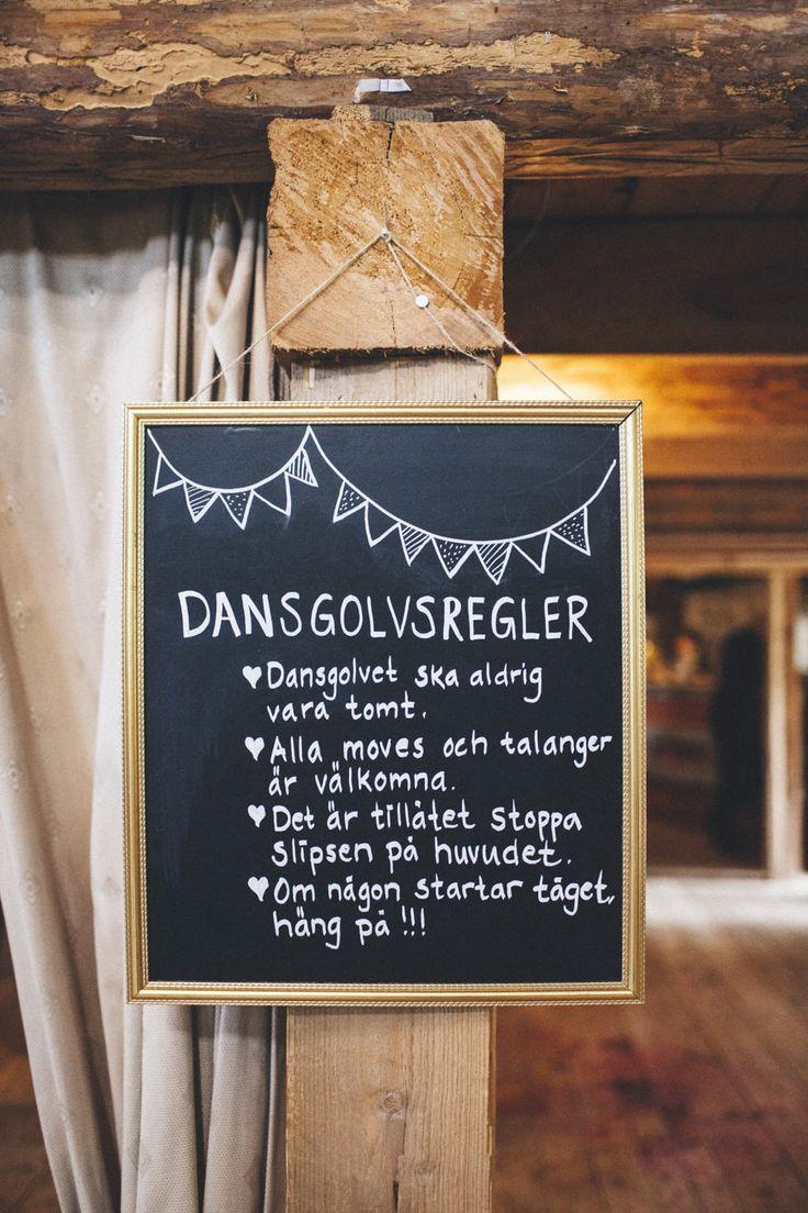 Lantligt bröllop med fest i vackert magasin: Sofia och Martin — Sisters in Law - Bröllopsblogg