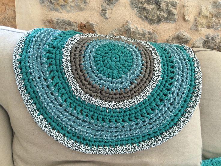 Crochet rug 50cm.  30€