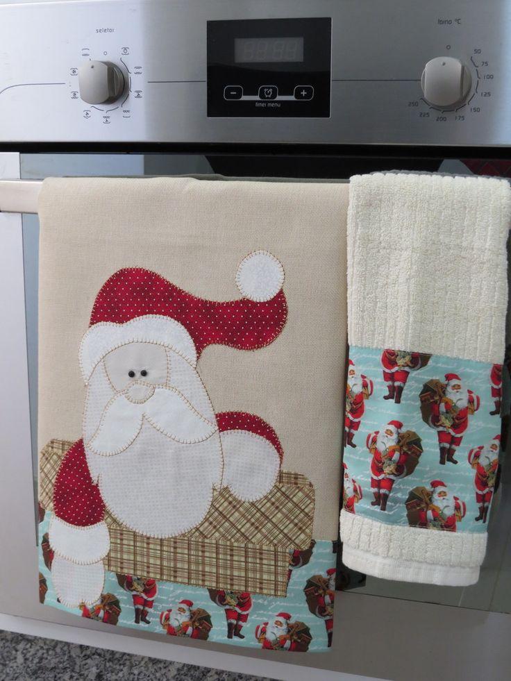 Conjunto pano de prato e bate mão com aplicação em patch aplique, tecido de algodão colorido e barrado em tecido 100% algodão..  Sob encomenda consulte estampas disponíveis