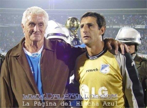 El gran Amadeo Carrizo al lado del gran Héctor Burguez!! ídolos #Millonarios