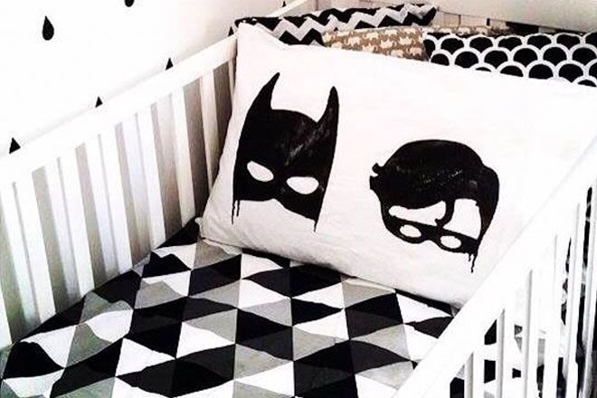 Tessa from Down That Little Lane shares with us her favourite 12 monochrome pieces to decorate children's bedrooms and nurseries.