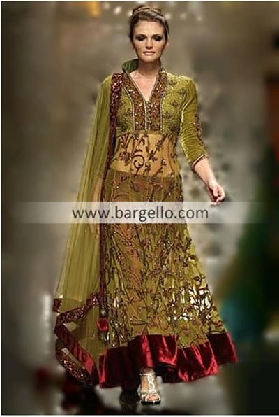 Gorgeous Nomi Ansari design. Gorgeous with HER flat midriff..;-)