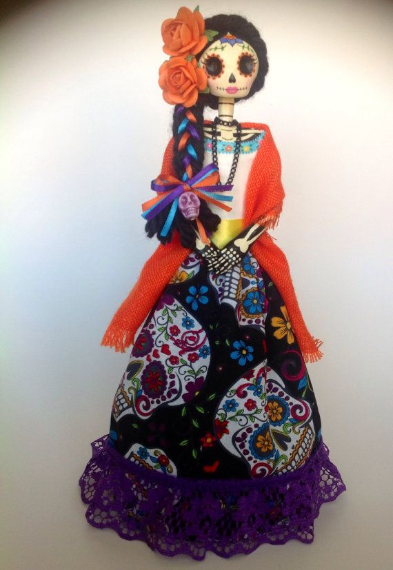 Catrina Mexicana. Mexican catrina doll. Day of the por LaCasaRoja