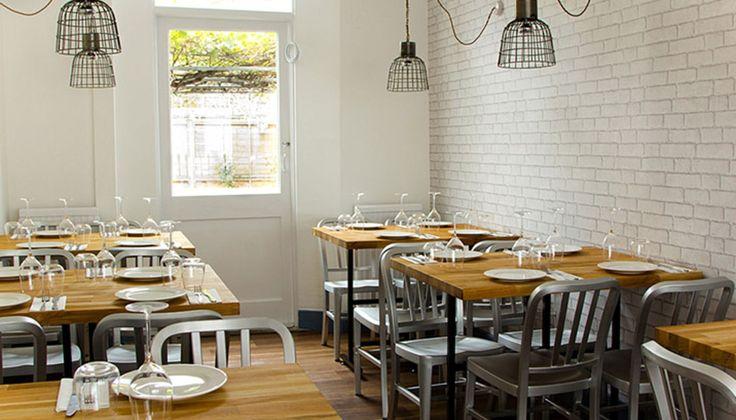 Ο Αλέξανδρος Χαραλαμπόπουλος αναλαμβάνει -και- το Mazi, ένα από τα καλύτερα ελληνικά εστιατόρια του Λονδίνου.