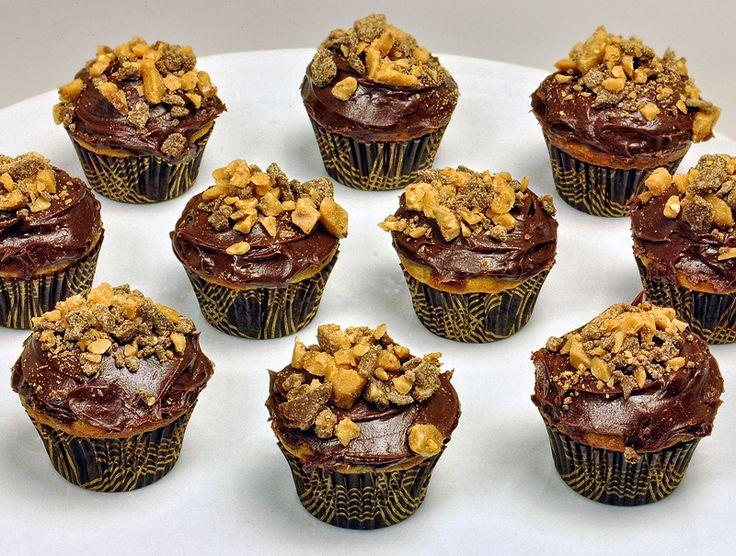 Chocolate Banana Heath Bar Cupcakes   Cooking   Pinterest   Heath bars ...