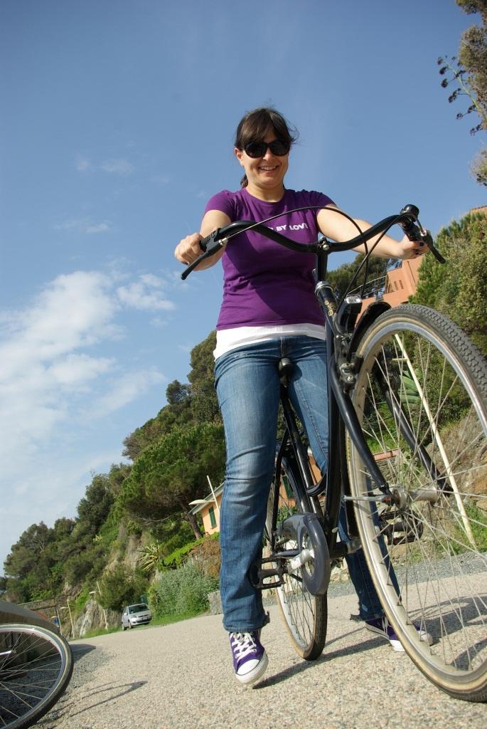 Biking on Lungomare Europa Photo by Alessandro Alex Chiabra