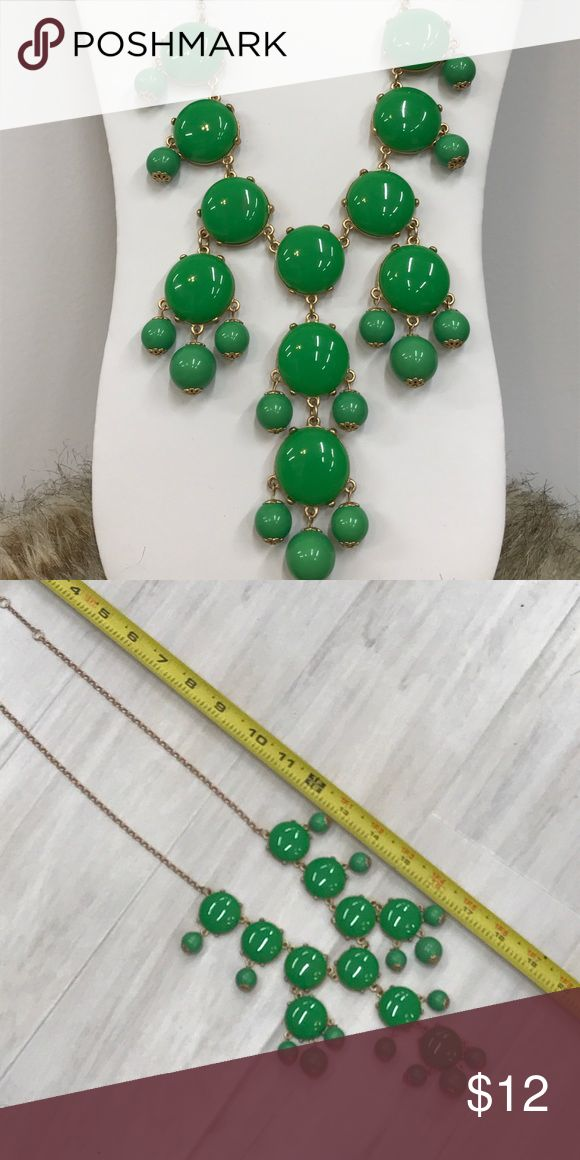 🍀🍀HP 8/3🍀🍀Kelly green statement necklace Fun kelly green statement necklace with gold tone chain. Jewelry Necklaces