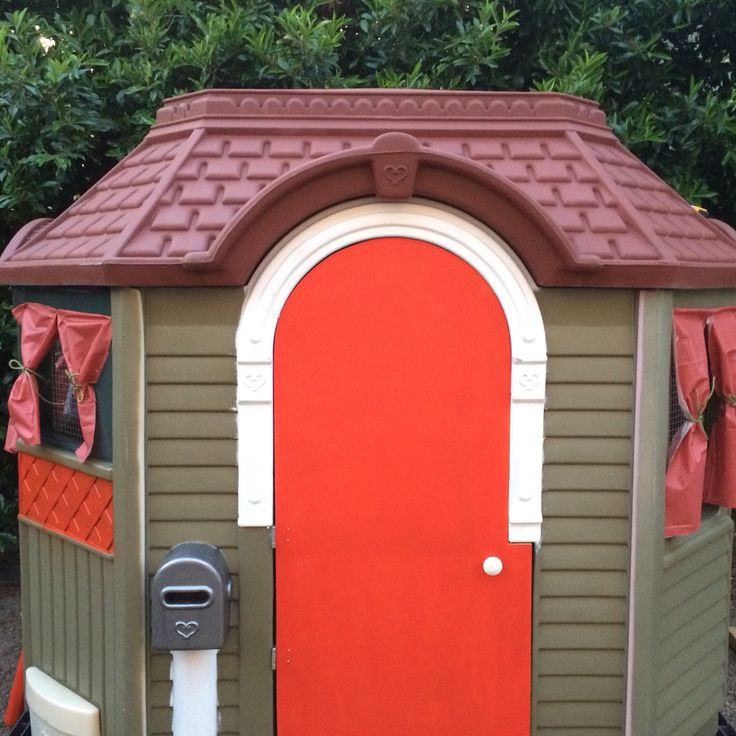 My homemade chicken coop well i used plastic kids for Used kids playhouse