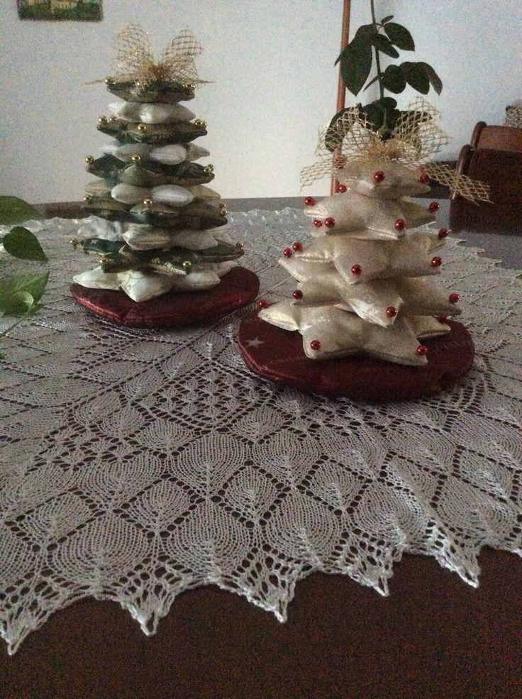 Piccoli alberi di Natale in raso.ok