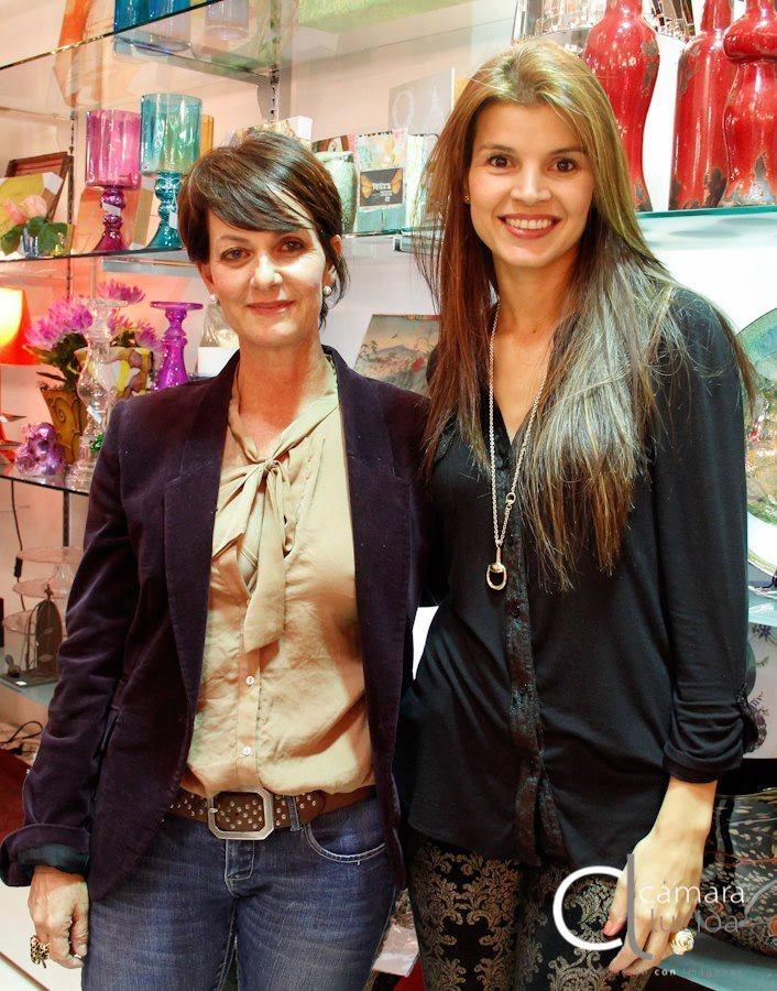 Eulalia Piedrahita y Tala Restrepo felices por la acogida que tuvo el evento.