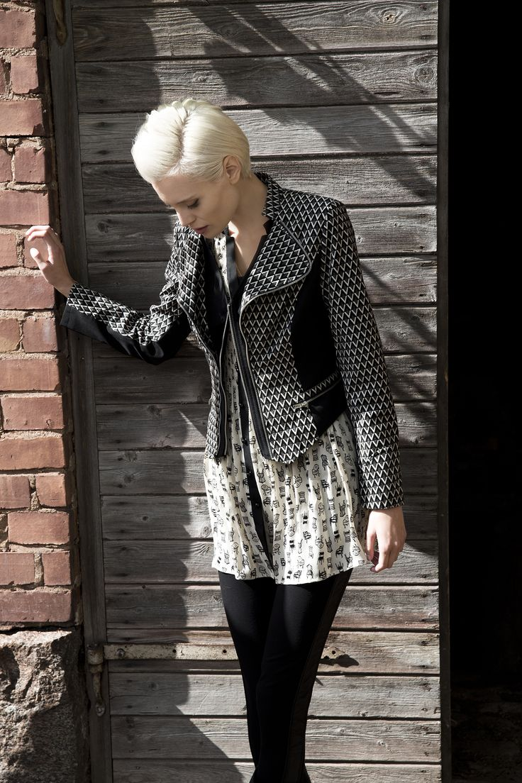 Jacket with details. Tunic with a cute fabric. www.kriss.eu