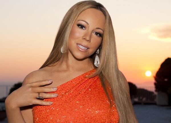Мэрайя Кэри не вместилась в платье и показала лишнее на афтепати Vanity Fair https://joinfo.ua/showbiz/1198867_Merayya-Keri-vmestilas-plate-pokazala-lishnee.html  Певица Мэрайя Кэри (Mariah Carey) вновь удивляет поклонников своими формами и неумением подчеркнуть свою красоту.Мэрайя Кэри не вместилась в платье и показала лишнее на афтепати Vanity Fair, читайте...