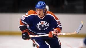 Wayne Gretzky Upon retirement he held or shared 61 NHL records Holding the record for most career regular season goals (894), assists (1,963), points (2,857), and hat tricks (50) His 47 playoff points in 1985 and 31 assists in 1988 are still records for a single postseason round, and he holds the record for career playoff goals (122), assists (260), points (382), hat tricks (10), and game-winning goals (24). 40 regular season records 16 playoff records 6 all star records