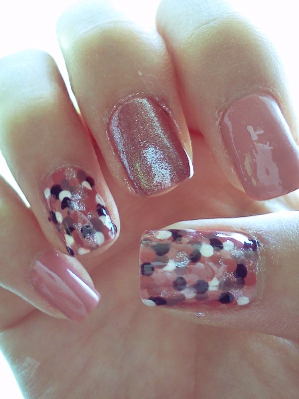 Fish Scale Nails