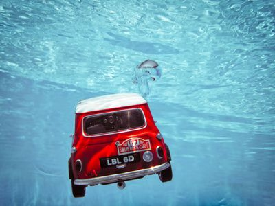mini + water :) #minicooper #underwater
