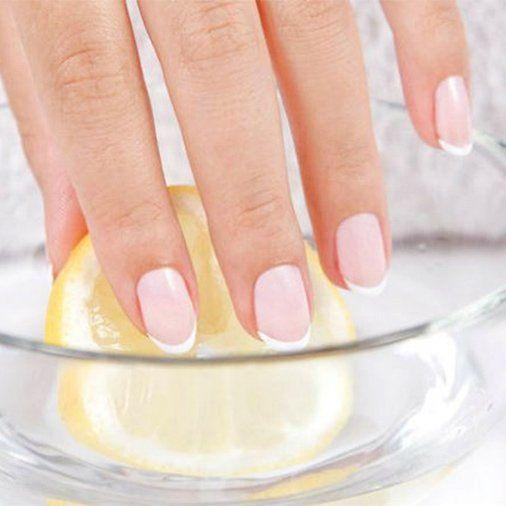 Citroensap voor sterke en glanzende nagels