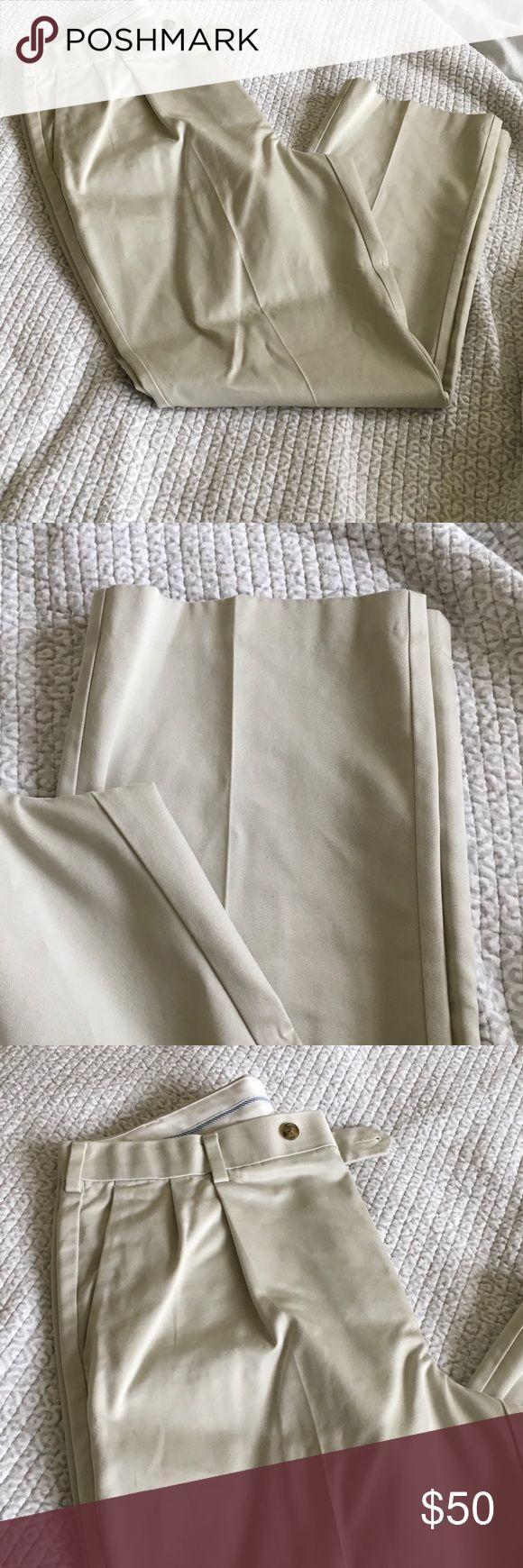 Men's Slacks Roundtree & Yorke Men's Cream Colored Pleated Slacks, size 36x30 Roundtree & Yorke Pants