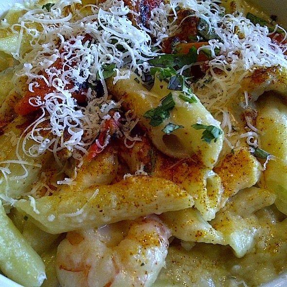 Gina's Italian Kitchen: Romano's Macaroni Grill Penne Rustica (copycat recipe)