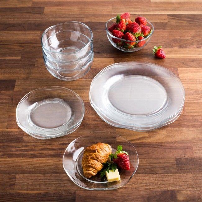 Set your table with the beautiful Courbe Glass Dinnerware Set from Libbey.