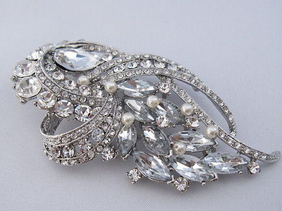 Bridal brooch,wedding accessories,wedding dress sash brooch,wedding brooch,bridal hair brooch,wedding hair comb,pearl bridal comb,brooch pin