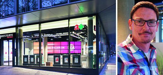 Tagsüber Offizin und nachts vor allem Werbefläche. Erik Tenberkens Westgate-Apotheke in Köln.