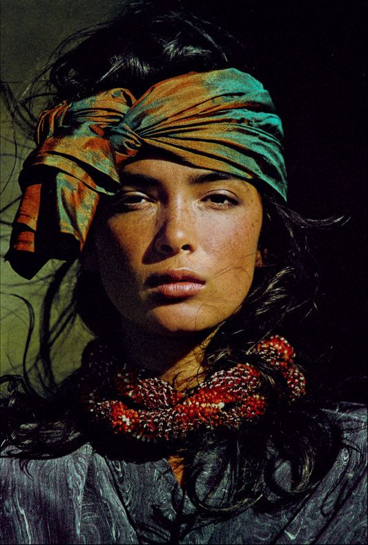 Ethnic Inspiration via  Vogue US 1985 - Model: Linda Spearing - Styling: Françoise Havan  © Hans Feurer Vogue.fr
