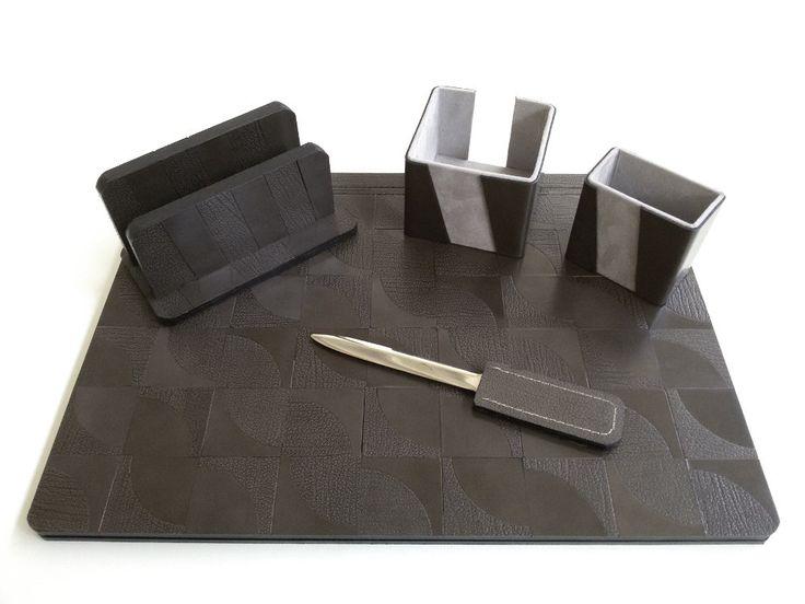 Leather Desk Set Twist Design Collection di TheHeartofJulie su Etsy