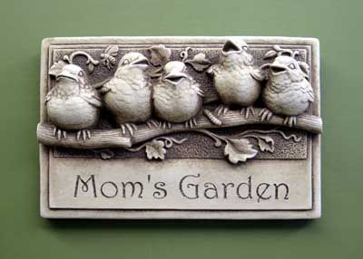 #Carruth #Mom's #Garden - this says it all. What a lovely way to remember your #mother and her love of gardening - past, present or future! #birds #handcrafted #gift #gardening #madeinAmerica #weatherproof