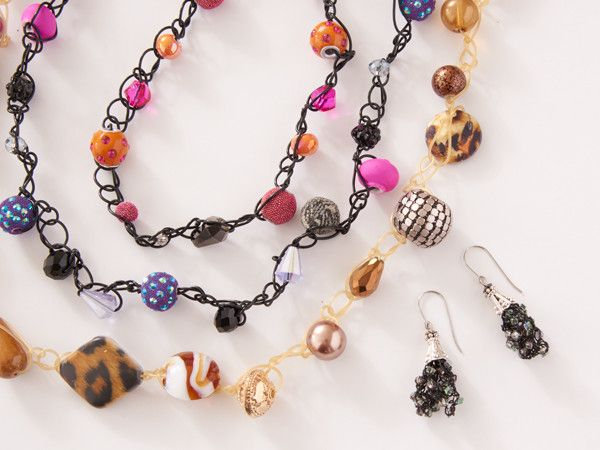 Master the basics of stretch bead crochet to create a convertible wearable - a necklace that turns into a bracelet! Makes a great gift or selling opportunity for teens.