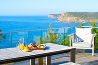 A modern collection of vacation homes for rent, by the sea, city, country, mountain or waterfront. Vacation Rentals in Australia for your next vacation.
