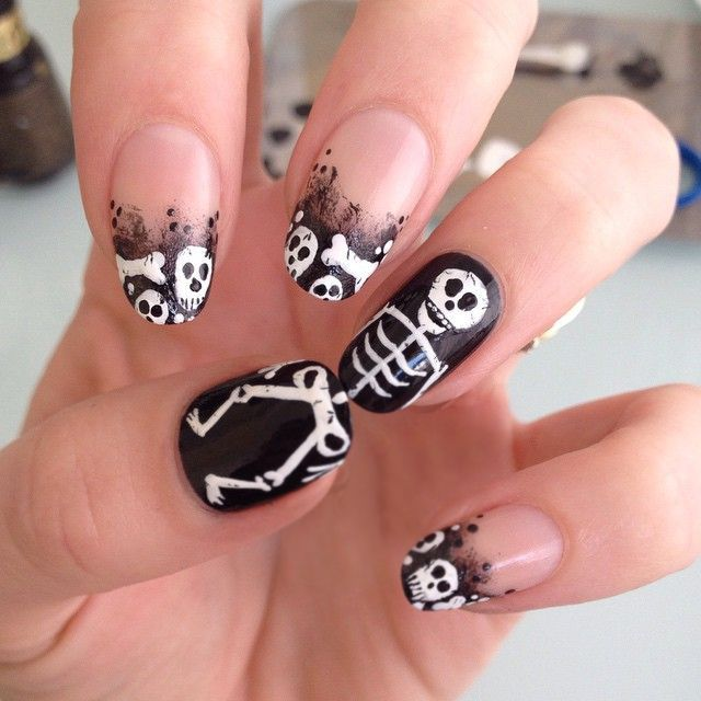 Diseño de uñas para halloween esqueleto