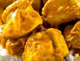 I deliziosi bocconcini di pollo al curry; le ricette smart e veloci per risolvere la cena in pochi minuti