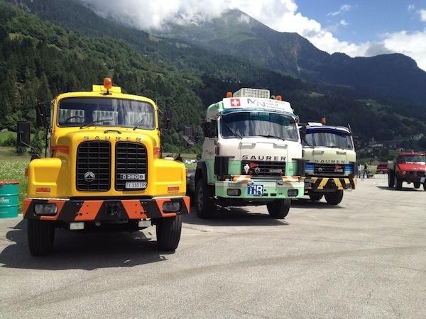 """Più di cento mezzi pesanti hanno partecipato al raduno """"Truck Team Gottardo"""" in Canton Ticino (foto tratte dalla pagina Facebook degli organizzatori)"""