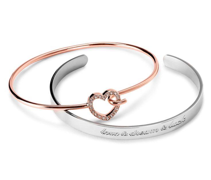 79,99 zł Przeciwieństwa się przyciągają! Jedna bransoletka z mosiądzu pozłacanego złotem różowym, wysadzana kryształkami SWAROVSKI ELEMENTS® – z serduszkiem i zapięciem klasycznym.