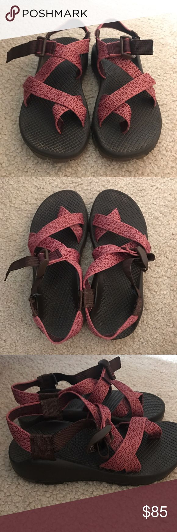 Woman's Chaco Sandals Selling previously worn Chaco sandals in a woman's size 6. No signs of wear - still in great condition! Loved these but just have use for them. Motivated to sell so make a reasonable offer :) Chaco Shoes Sandals