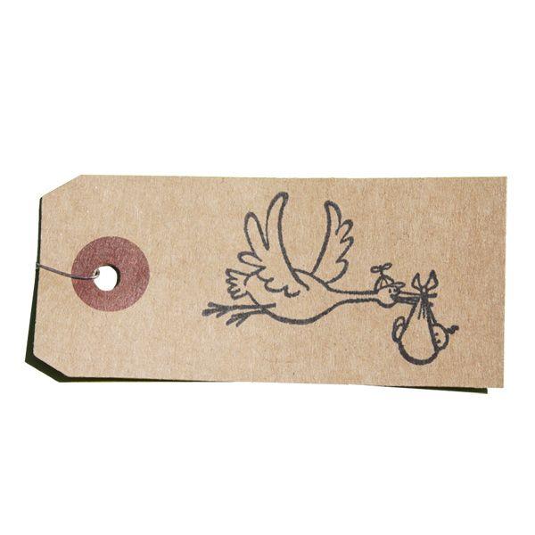 Tampon en bois spécial naissance Cigogne portant bébé sur étiquette kraft