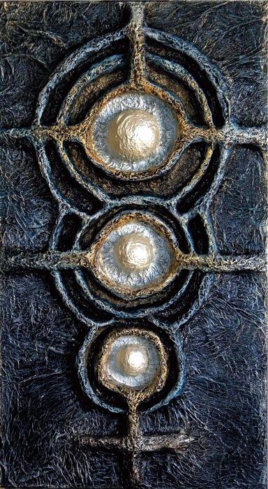 CORPI CELESTI cm.50x90x7 polestirene, cartapesta giapponese e colori acrilici su tela.
