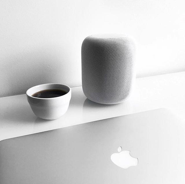 What are your thoughts on the HomePod? Via: @loganmartintran #airya #airyahq #audiophile #hifi #homepod #coffee #coffeetime #workstation #workspace #homeoffice #creative #desktopsetup #minimalist #macsetup #macbook #macbookpro #mac #imac #applesetup #apple #developer #work #devlife #minimal #minimalsetup #clean #coding #ios #tech