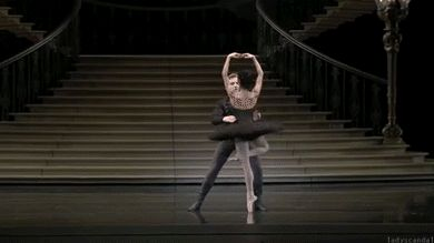 One of the coolest gifs I have ever seen. It's so beautiful!