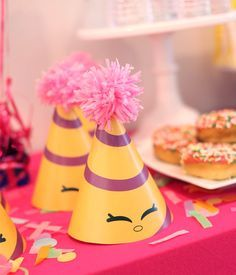 It's Shopkins party filled with bakery and party items! Your Shopkinsbcollection includes:1. Happy Birthday banner2. Thank you tags3. Large poster backdrop4. Dr