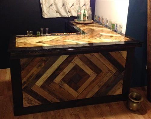 13 best pallet reception desks images on pinterest for Pallet wood bar